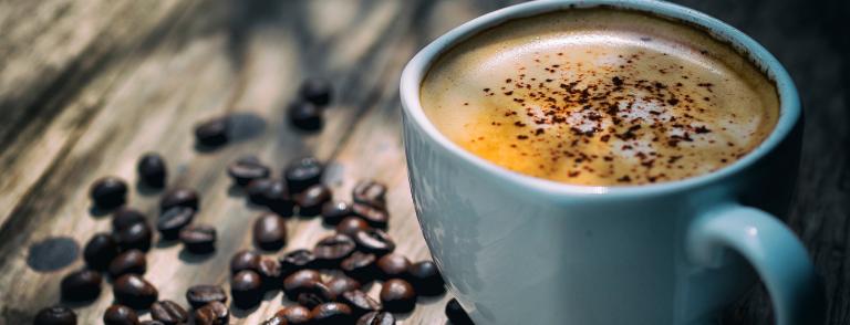 beneficios del café con leche