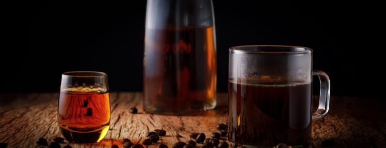Coctelería con Café y licores