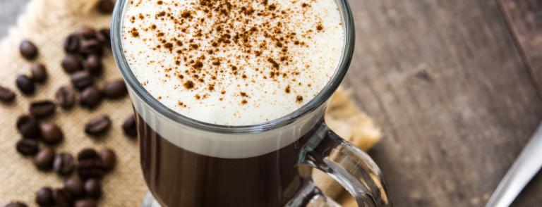 Tragos y Coctelería con Café